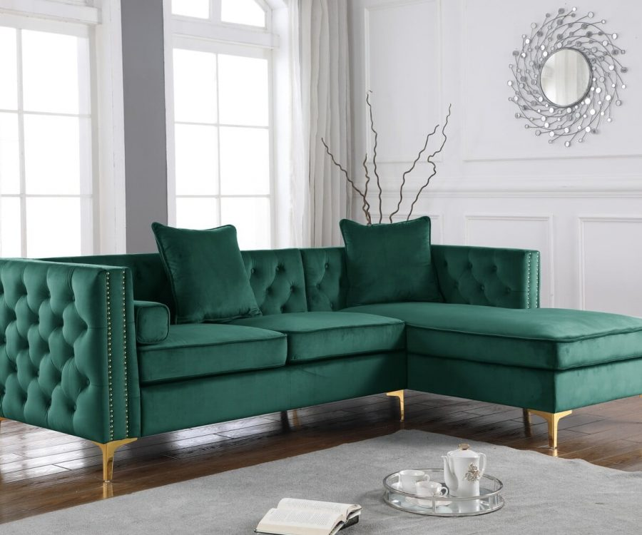 |2-Piece Velvet Sectional with Tufted Buttons|Square Pillows