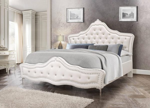 Panel Bed with Tufted Buttons and Double Nailhead Trim. 2 Colors to Choose: grey or White||