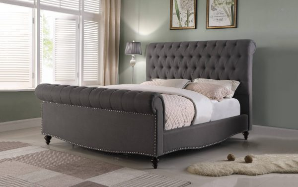Sleigh Panel Bed with Tufted Buttons and Nailhead Trim. 2 Colors to Choose: Beige or grey.|||